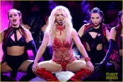 britney-spears-performance-billboard-music-awards-2016-02