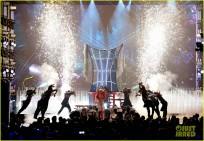 britney-spears-performance-billboard-music-awards-2016-11