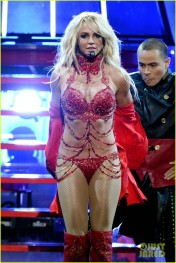 britney-spears-performance-billboard-music-awards-2016-13