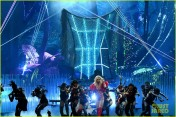 britney-spears-performance-billboard-music-awards-2016-16