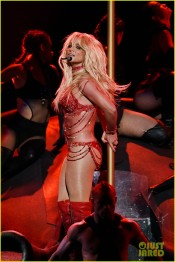 britney-spears-performance-billboard-music-awards-2016-22