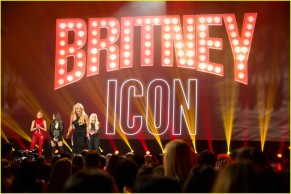 britney-spears-receives-first-icon-award-at-radio-disney-music-awards-17
